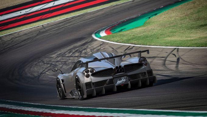 Pagani Imola sul tracciato Enzo e Dino Ferrari