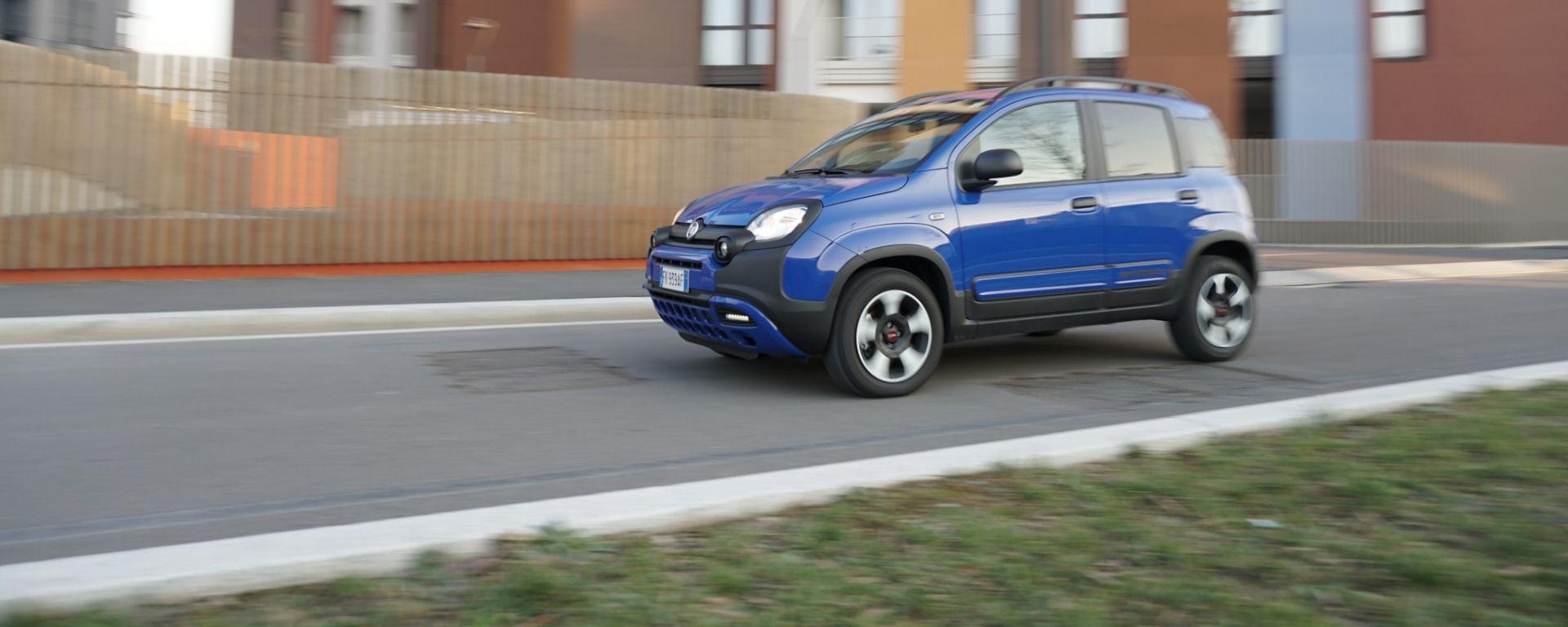 Nuova Fiat Panda City Cross 1 2 Benzina 69 Cv La Prova Su