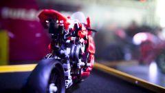 Panigale V4 R Lego: il modellino, quella in scala 1:1, la vera Ducati