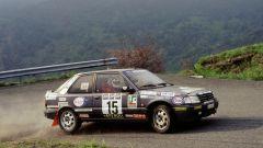 Paolo Andreucci a bordo della sua Peugeot 309 Gti Gr.N