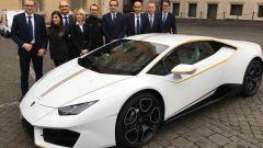 Papa Francesco vende all'asta la sua Lamborghini Huracán - Immagine: 4