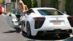 Paris Hilton ha messo in vendita la sua Lexus LFA