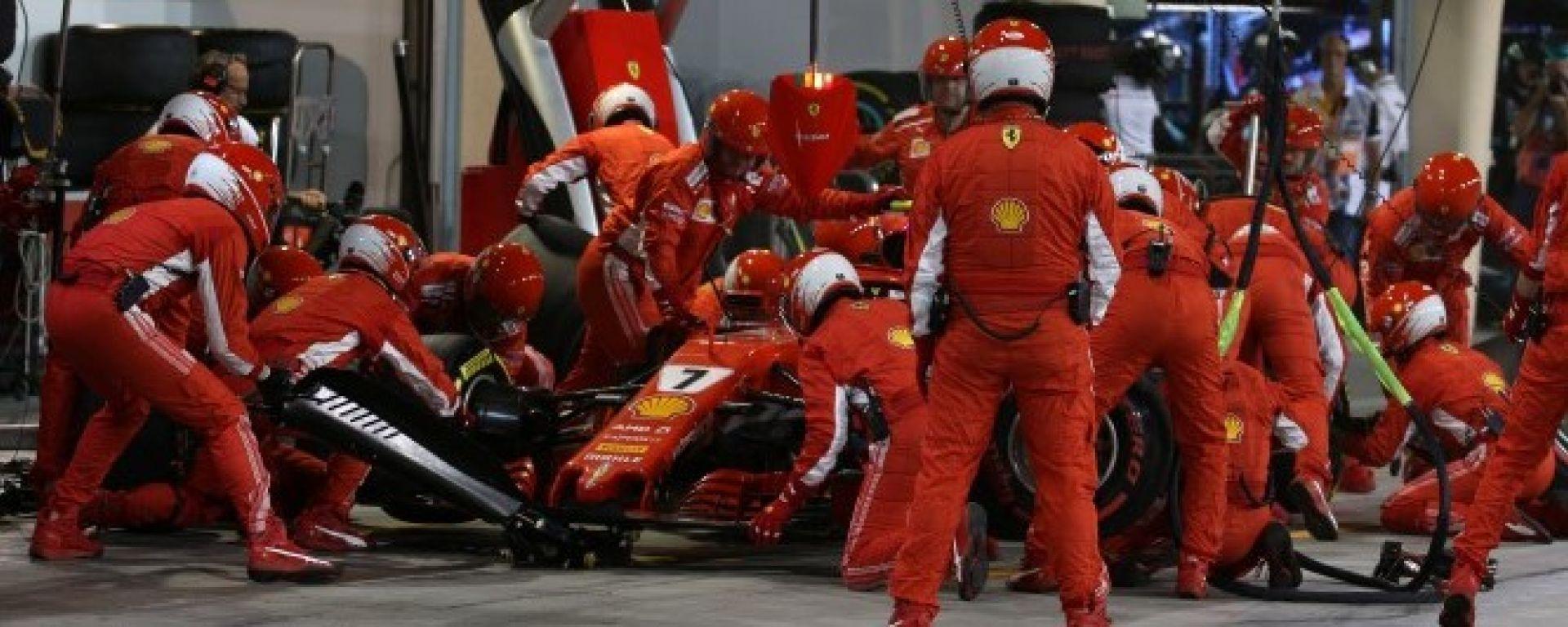 Paura al box Ferrari: Raikkonen investe un meccanico