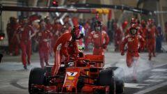 Paura al box Ferrari: Raikkonen investe un meccanico  - Immagine: 3