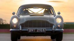 Per il film di 007 sono state realizzate otto Aston Martin DB5