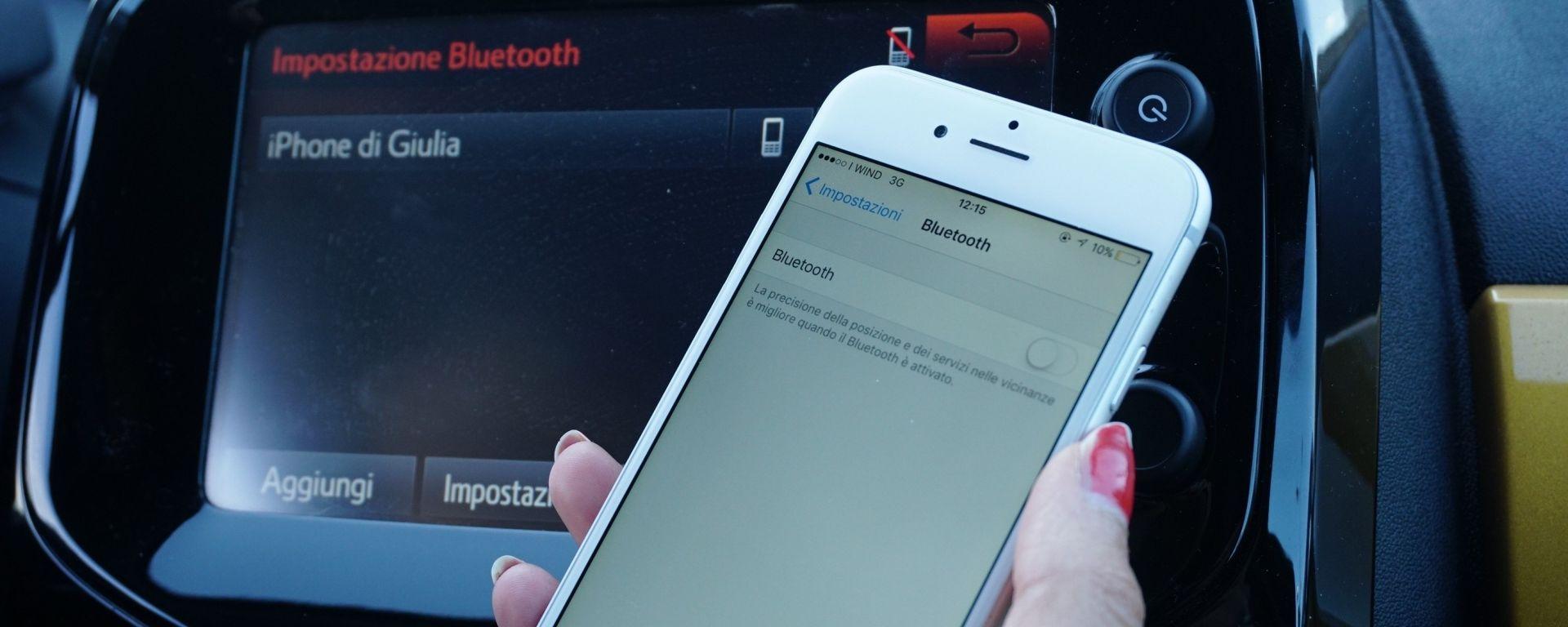 Peugeot 108: connessione via Bluetooth