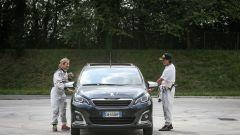Peugeot 108 e Andreucci in pista alla cieca - Immagine: 8