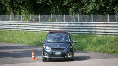Peugeot 108 e Andreucci in pista alla cieca - Immagine: 19