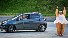 Peugeot 108 e Andreucci in pista alla cieca - Immagine: 1