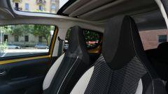 Peugeot 108: il tettuccio apribile è regolabile in diverse posizioni