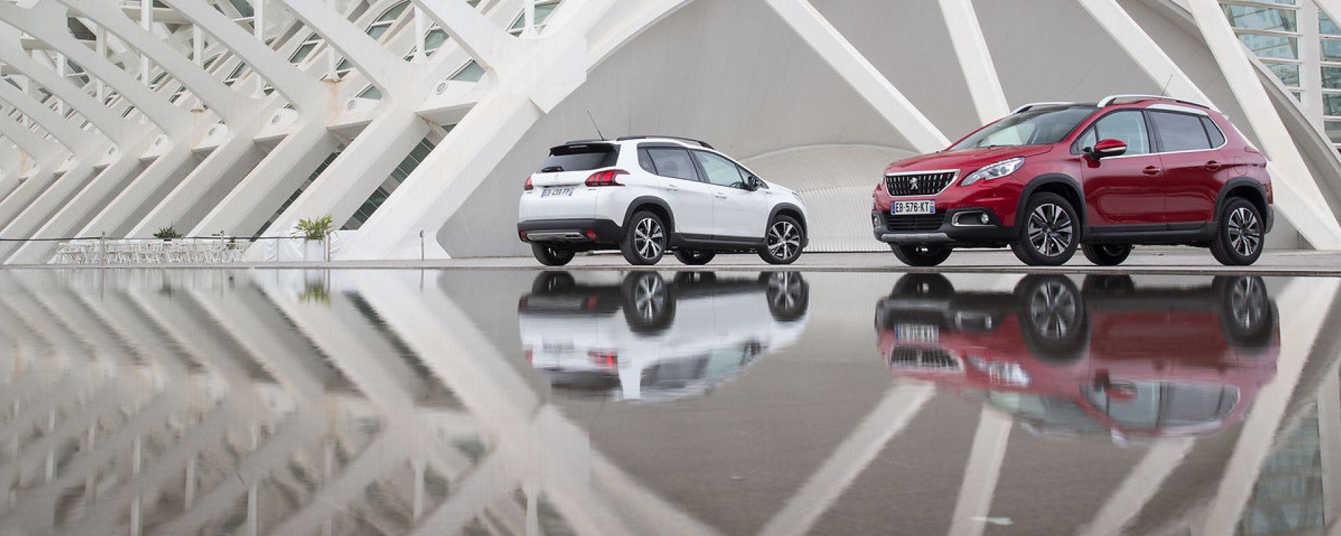 Peugeot 2008: nuovi motori PureTech