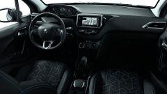 Peugeot 2008 Signature, il Suv compatto veste hi-tech - Immagine: 6