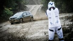 Peugeot 2008 Star Wars: i trooper attaccano i ribelli