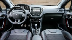 Peugeot 208 1.6 GT Line 120 cv, gli interni