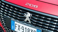 Peugeot 208 2019: dettaglio della calandra