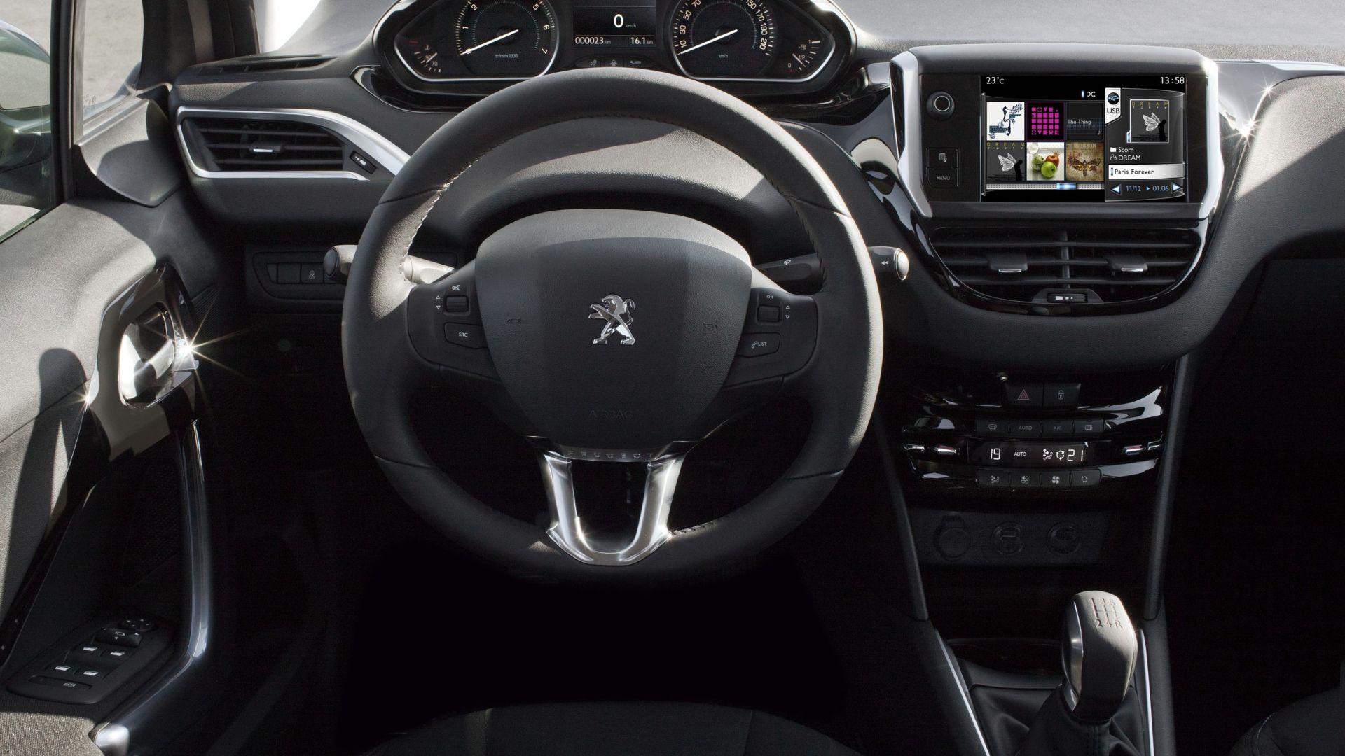 Test drive peugeot 208 diva dello schermo motorbox - Lancia diva prezzi ...