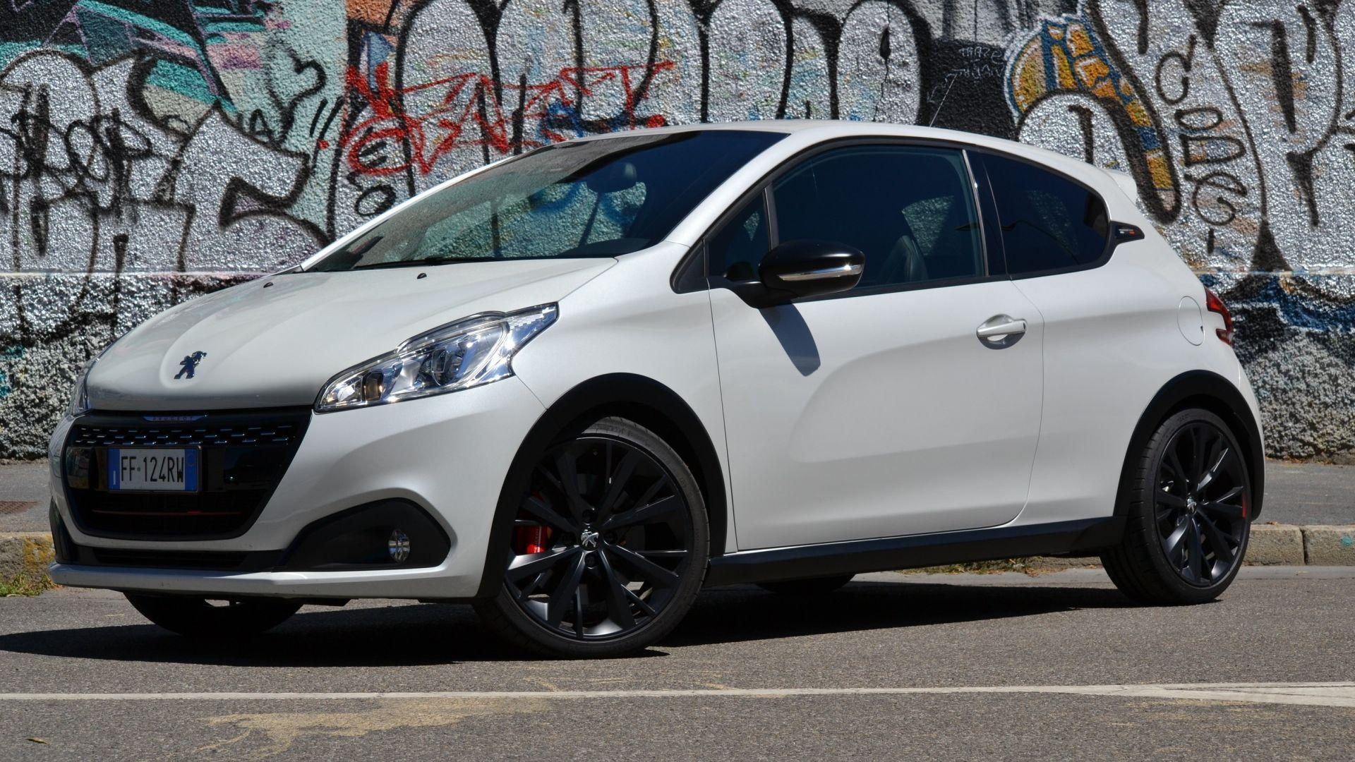 Top Line Auto >> Peugeot 208 diesel, benzina, gpl o GTi: quale fa per me ...