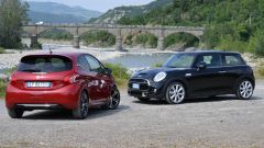 Peugeot 208 GTi vs Mini Cooper S 2014 - Immagine: 3