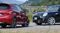 Peugeot 208 GTi vs Mini Cooper S 2014 - Immagine: 39