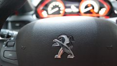 Peugeot 208 GTi vs Mini Cooper S 2014 - Immagine: 11