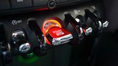 Peugeot 208 GTi vs Mini Cooper S 2014 - Immagine: 37