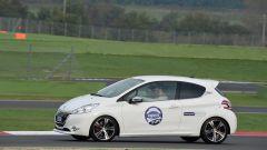Peugeot 208 GTi vs RCZ THP 200 cv - Immagine: 6