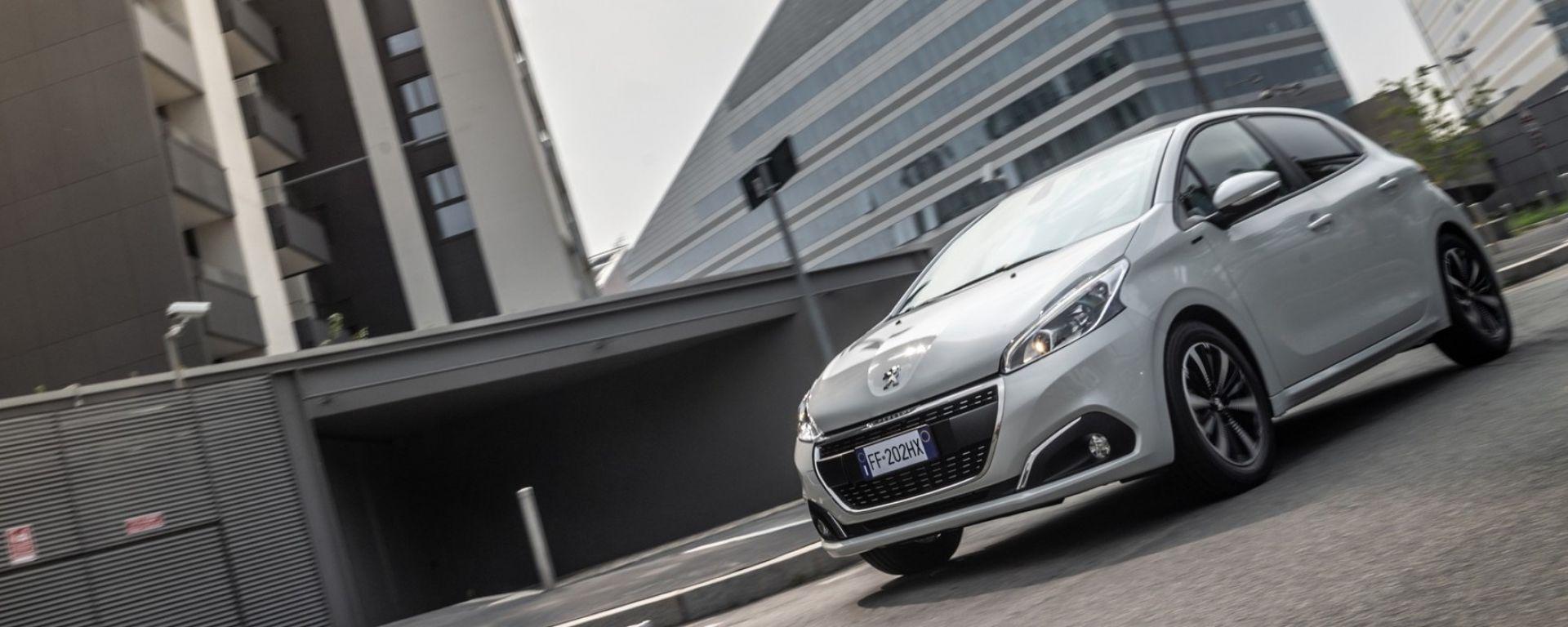 Peugeot 208 Signature Prezzi E Dotazioni Della Nuova Serie Speciale