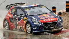 Peugeot 208 WRX - Team Hansen - Sebastien Loeb tra i cordoli