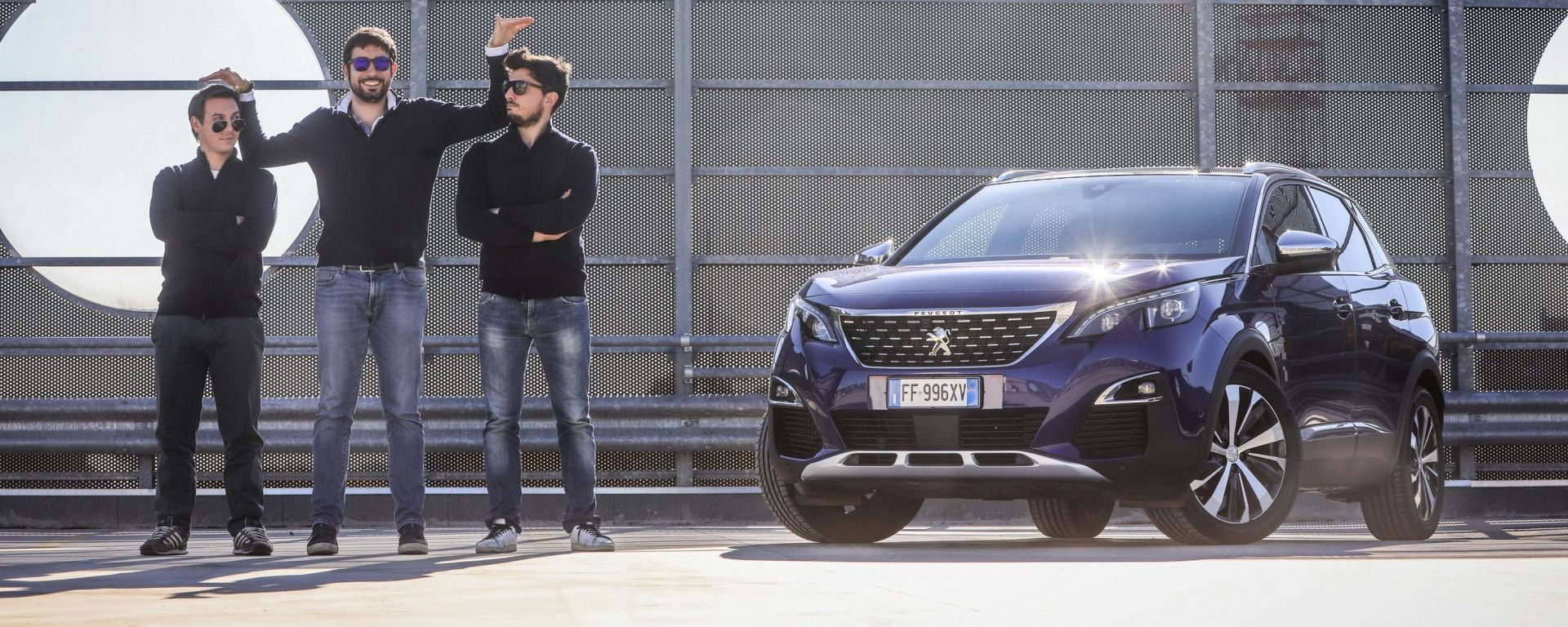 Peugeot 3008: l'i-Cockpit vissuto da tre altezze diverse