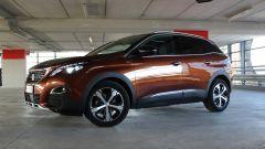 Peugeot 3008: la fiancata è filante e snella