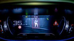 Peugeot 3008, Night Vision dà l'allarme solo se c'è rischio di una collisione