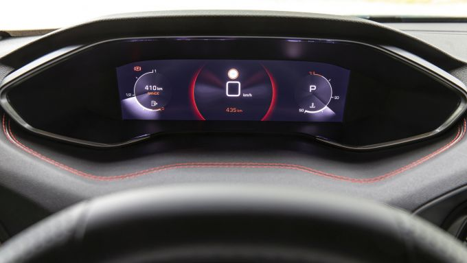Peugeot 308 2021: i-Cockpit di serie