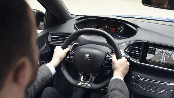 Peugeot 308 2021: il nuovo i-Cockpit di serie