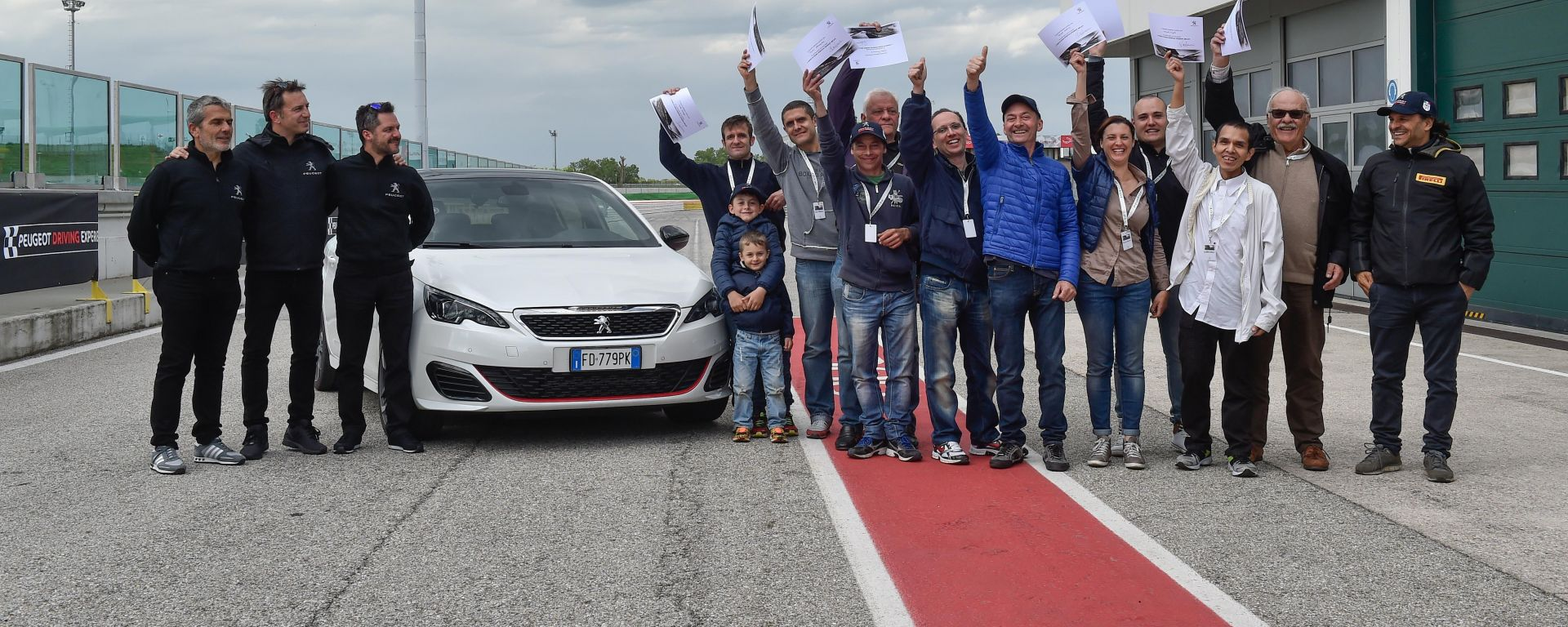 308 GTi by Peugeot Sport: i primi 12 clienti a Misano