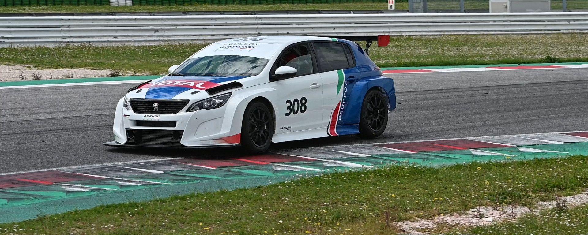 Peugeot 308 TCR: vista 3/4 anteriore