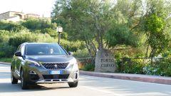 Peugeot 5008 2.0 BlueHDi EAT8 GT: uscendo da una delle località più rinomate della zona