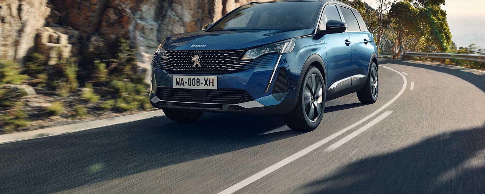 Peugeot 5008:  con i Pack è possibile arricchire la dotazione dell'allestimento standard desiderato