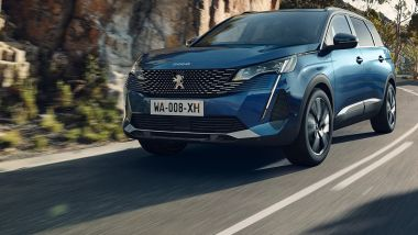 Peugeot 5008: motori benzina e diesel, da 1.2 a 2.0 litri