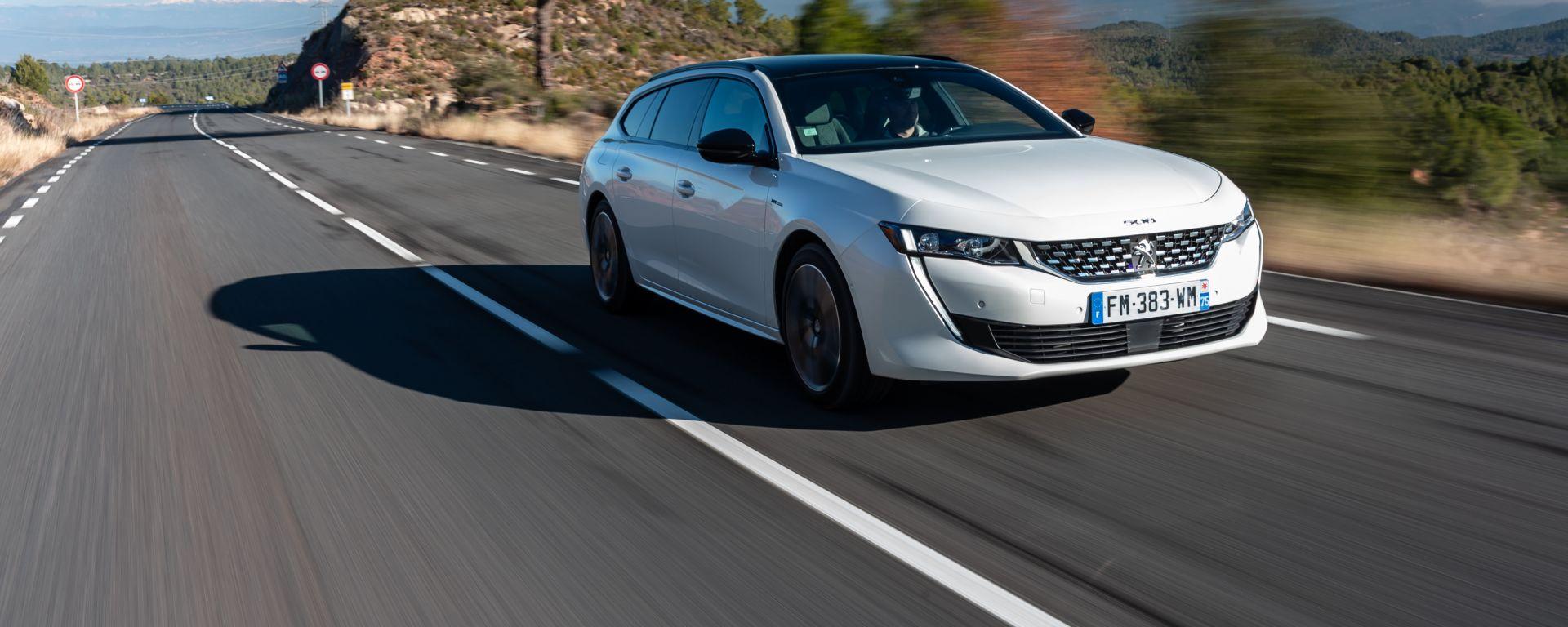 Peugeot 508 Hybrid 2020 movimenti