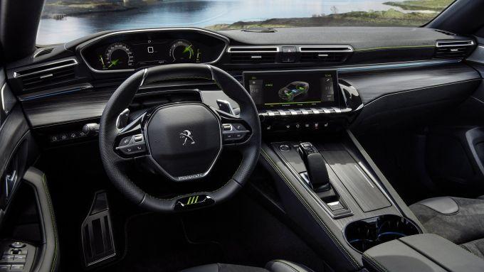 Peugeot 508 Sport Engineered: gli interni