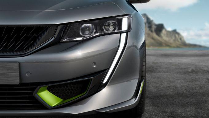 Peugeot 508 Sport Engineered: il caratteristico frontale