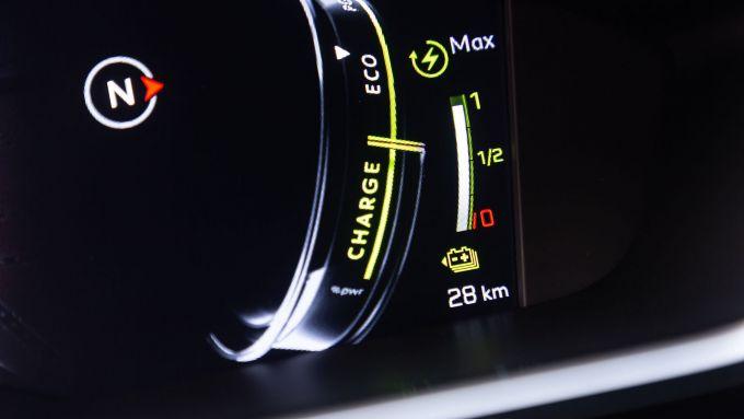 Peugeot 508 Sport Engineered, indicatore di funzionamento del sistema ibrido