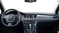 Peugeot 508 SW, il restyling ha semplificato la plancia