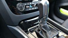 Peugeot 508 SW, la leva del cambio doppia frizione