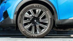 Peugeot e-2008: cerchi in lega da 18 pollici