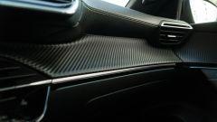 Peugeot e-2008: dettaglio del cruscotto