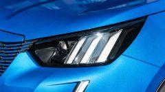 Peugeot e-2008: i proiettori a LED