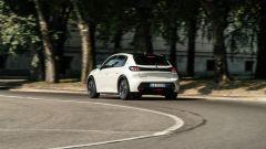 Peugeot e-208: fra le strade del centro città