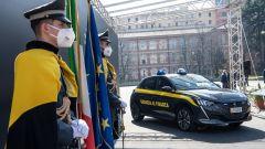 Peugeot e-208 per la Guardia di Finanza: un momento della cerimonia