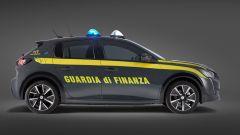 Peugeot e-208 per la Guardia di Finanza: visuale laterale